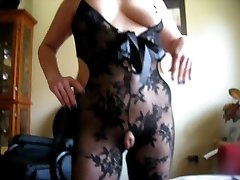 squirtys ample cameltoe