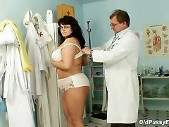 Huge-chested mature woman Daniela tits and mature puss gyno exam