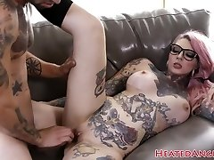 Inked goth slut gets her pussy drilled