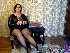Sexy Mature BBW Try On Crazy Halloween Costumes and High-heeled Slippers