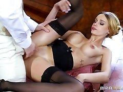 Brazzers - British babe Erica Fontes gets pummeled