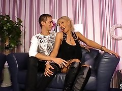 Sextape Germany - Unexperienced BBW German gets plowed in hot sextape lessons