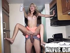Mofos - Project RV - Limber Spinner Gives Bj starring