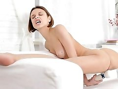 Very Flexible Teen Girl Play Herself With a Big Dildo