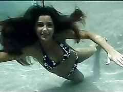 Great underwater sexual experience with cute slim dark haired
