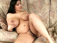 Gorgeous Big Melon BBW Cougar