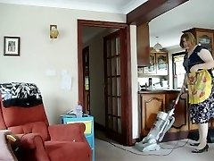 Super-hot Cougar SUCKS IT UP ALL OVER THE HOUSE