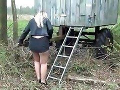 Nice blondie BBW Milf with nice ass upskirt peeing 1