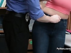 Bigtit thief drilled in front of audience