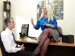 Curvaceous female chief Alura Jenson banged in a missionary pose in the office