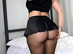 Huge Booty in Stockings 1