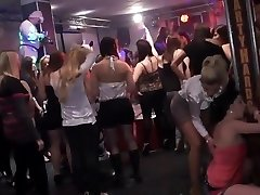 Amateur college girl group bang-out in disco