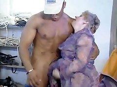 Oldtimer - Fisting Aged Bushy Lady