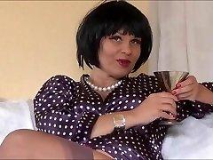 Sexy Erotic Queen Veronica teasing in nylons