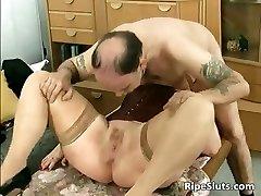 Divorced BBW mom with huge tits sucks part1