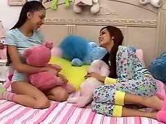 Teen Girls Plays With not Thick Brothers Trouser Snake-daddi