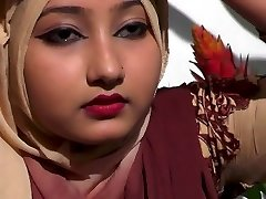 bangladeshi spectacular girl showing her sexy boobs style