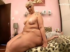 BBW MATURE BRUTAL FACE Smash TEEN