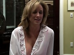 Girl-girl milf fucked by her stepdaughter