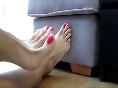 Gabby Wondrous  BIG FEET AND SUPER-LONG TOES