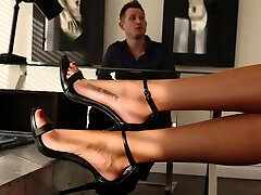 Gorgeous Client Repays Her Lawyer In a Nasty Foot Sex Session