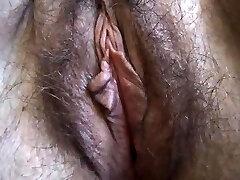 Hairy BBW close up onanism