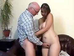 गलफुल्ला जर्मन लड़की बड़े आदमी द्वारा गड़बड़