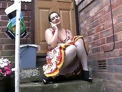 Voyeur 1 - Chubby honey sitting outdoor (MrNo)