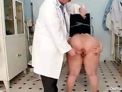 Big tits fat mom Rosana gynecology medic examination