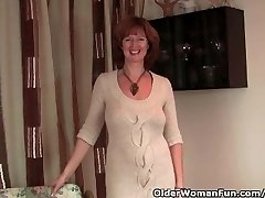 Redhead Milf Gets Her Raw Mature Pussy Finger Fucked By Photographer