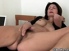 Pornography will get mom's pussy mouth-watering