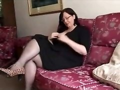 Steaming BBW Mature shows great body