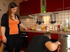Hausfrau Ficken - Mature German Plumper housewife gets jizz in facehole in hot sex session