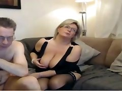 Mature mom have a web cam sex with big perfect tits