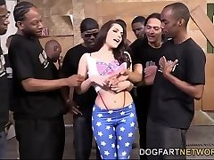 Valentina Nappi Orally Pleases A Bunch Of Black Spunk-pumps