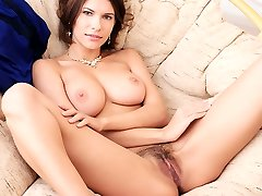 Brunette honey Suzanna A