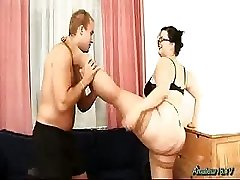 Chubby flexible babe plowed