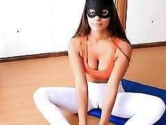 Ideal Figure Teen! Cameltoe Perfection in Tight Yoga Pants!