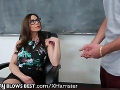MommyBlowsBest Teacher MILF Wants Younger Weenie!