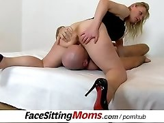 Czech housewife Gabina pussy slurping and pussy-smothering ftv