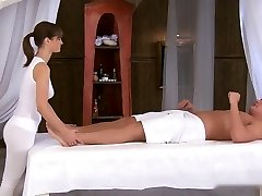 Glamour Massage 4