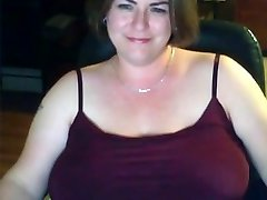 Solo #18 (Attractive Chubby Cougar showing Huge Natural Boobs)
