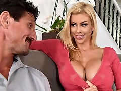 My husband hasn't nailed me in a year! - Alexis Fawx