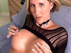 HOT HOUSEWIFE WITH Great ASS FINGERS HER Snatch TILL ORGASMS