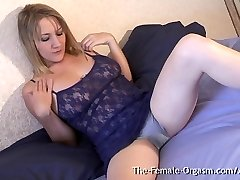 Cougar with Big Cooch Lips and Sopping Wet Orgasm Contractions