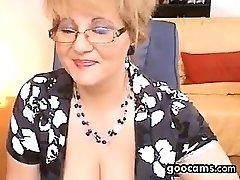 Piss Cam Amateur webcam granny drink piss