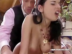 Promiscuous Maif Amanda Helps her Boss Relax