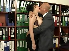 Secretary plumbed by her much aged boss