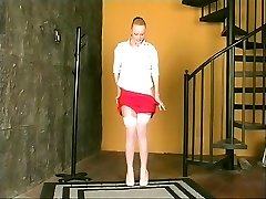 Sumptuous blond does hot striptease out of skirty