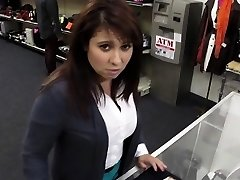 Amateur schoolgirls spycam nailing in public place